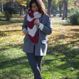 Bufanda crochet casiopea burdeos y blanca